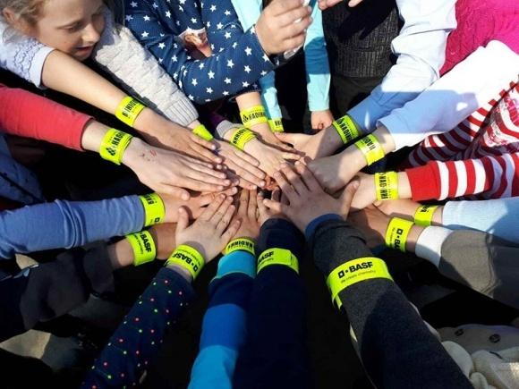 """BASF і ТД """"Насіння"""" проводять соціальну акцію для сільських дітей фото, ілюстрація"""