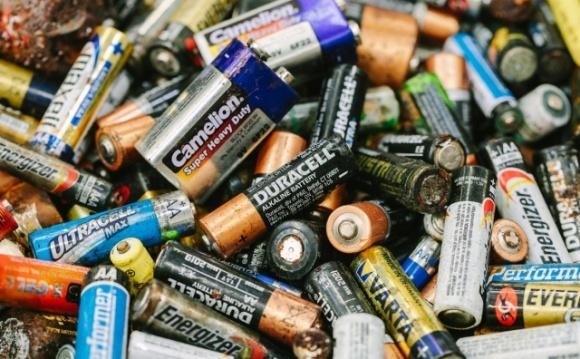 Використані батарейки можуть стати добривом для сільгоспкультур фото, ілюстрація