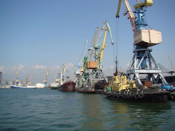 Бердянский порт проведет реконструкцию двух причалов фото, иллюстрация