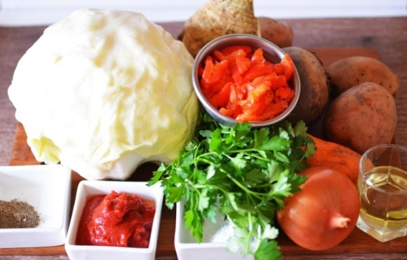 Фермери України заробили на картоплі менше, ніж втратили на моркві, буряку та цибулі фото, ілюстрація