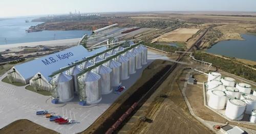 На причале М.В. Карго завершили сборку зерновых терминалов в порту Южный фото, иллюстрация