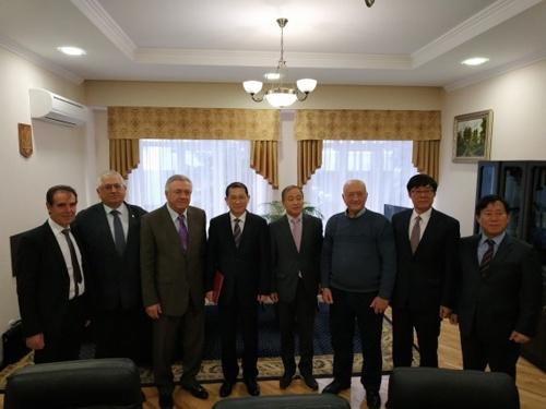НААН і Корейський інститут сільськогосподарської економіки підписали меморандум про співробітництво фото, ілюстрація
