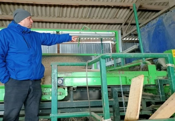 Фермер із Чернігівщини вирощує картоплю для провідних виробників чіпсів фото, ілюстрація
