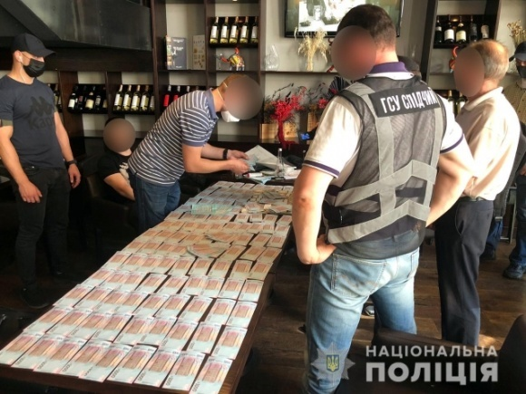 В Киеве правоохранители задержали организатора схемы хищения имущества одного из предприятий Госрезерва фото, иллюстрация