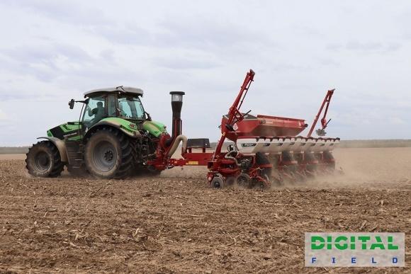 Парад «топовых» гибридов кукурузы на Digital Field фото, иллюстрация