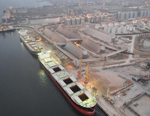 Найбільша експортна партія шроту з України відвантажено в порту «НІКА-ТЕРА» фото, ілюстрація
