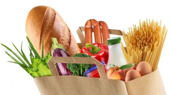 Украинцы почти вдвое чаще стали заказывать продукты через сервисы доставки: что покупают? фото, иллюстрация