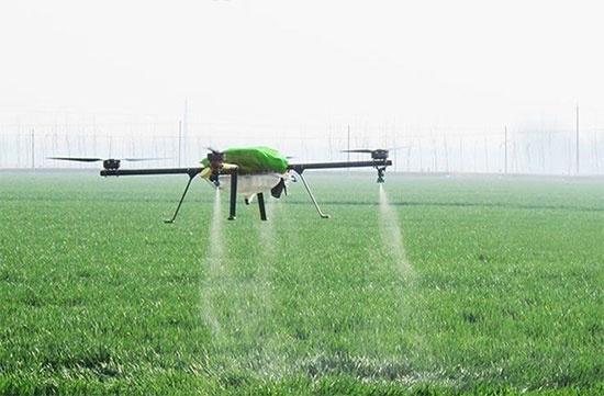 Експерти говорять, що настав час поширити програму часткової компенсації сільгосптехніки і на дрони фото, ілюстрація