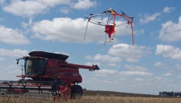 В США изобрели дрон, засевающий поле за восемь часов фото, иллюстрация