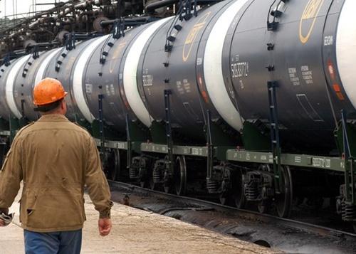 Россия запретила экспорт нефти и нефтепродуктов в Украину фото, иллюстрация