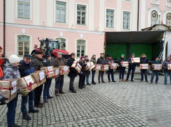 Фермеры Эстонии устроили пикет из-за недостаточного финансирования с/х отрасли фото, иллюстрация