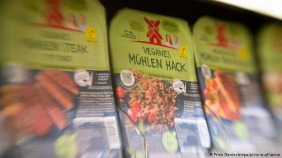 Колбаса может называться вегетарианской, — Европарламент фото, иллюстрация