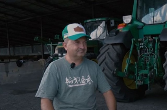 Фермер власноруч зробив унікальний агрегат до трактора фото, ілюстрація