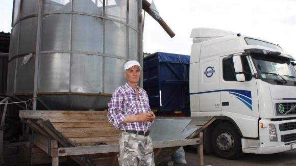 Фермер из-под Переяслава собственными руками смастерил сушилку фото, иллюстрация