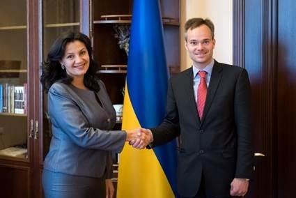 Фіни хочуть працювати в Україні – Міністр торгівлі Фінляндії  фото, ілюстрація
