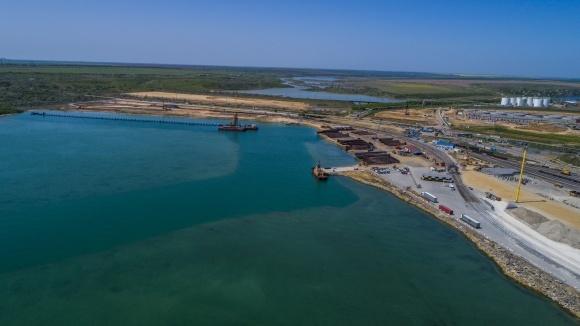 Завершено дноуглубление акватории для зернового терминала Cargill фото, иллюстрация