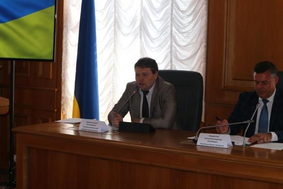 Мінекології виступило проти законопроекту, який дозволятиме ввезення не зареєстрованих в Україні пестицидів фото, ілюстрація
