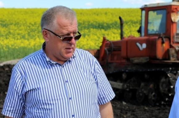 Аграрий Петр Гадз дарит Бучачской райбольнице аппарат искусственной вентиляции легких фото, иллюстрация