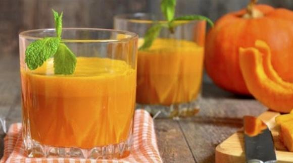 В Житомирской области производят 13 видов напитков из тыквенного сока фото, иллюстрация