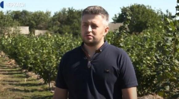 На Черкащині фермер вирощує 40 сортів фундука фото, ілюстрація