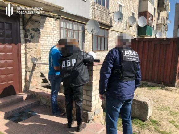 На Харківщині поліцейський та заступник голови РДА допомогли захопити землі Міноборони, – слідчі фото, ілюстрація