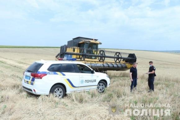 У полі Харківської області обстріляли комбайн із робітниками  фото, ілюстрація