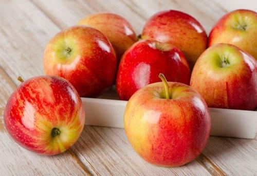 Сербія та Молдова починають відбирати ринки у українських виробників яблука, поки ті ігнорують експортні запити фото, ілюстрація