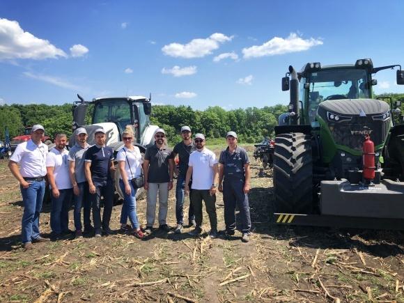 В рамках конференції «Системи землеробства» компанія «Цеппелін Україна» продемонструвала комплексні рішення для обробітку ґрунту фото, ілюстрація