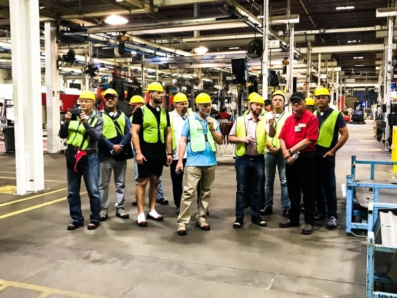 Украинская делегация на заводе по производству комбайнов Case IH в США фото, иллюстрация