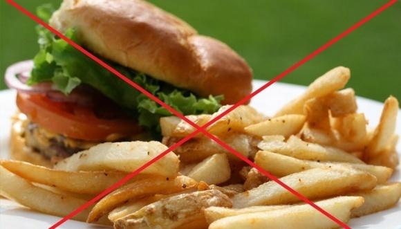 Парламент Канади підтримав законопроект, яким забороняється рекламувати шкідливу їжу дітям фото, ілюстрація