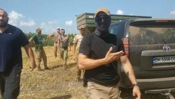 Работники «Кернел» напали на журналиста фото, иллюстрация