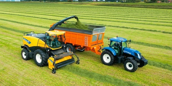 Комбайны Dinamica Generale модернизирует New Holland Agriculture фото, иллюстрация