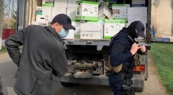 Затримали банду, яка викрадала пестициди зі складів фермерів на Вінниччині та Одещині фото, ілюстрація