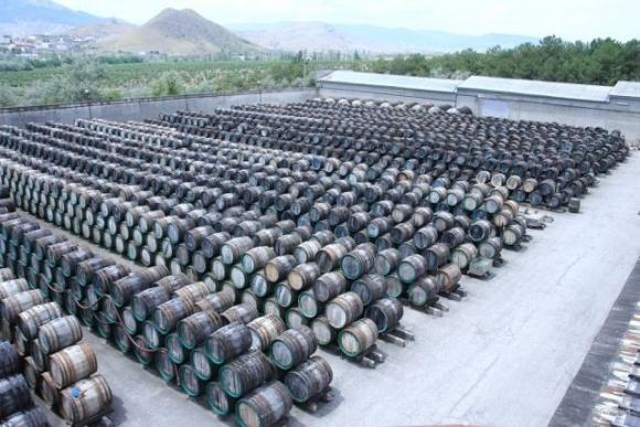 Окупанти у Криму «продали» винзавод «Коктебель» за 110 мільйонів рублів фото, ілюстрація