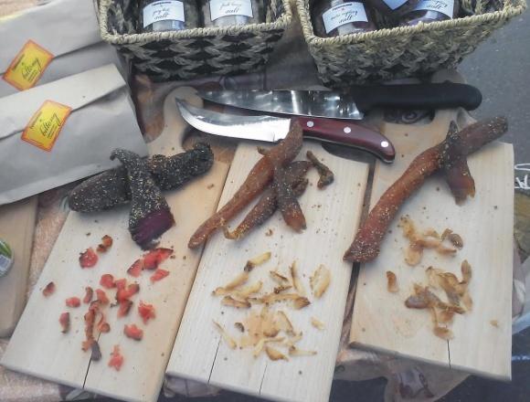 Украинцы зарабатывают на вяленом мясе по-африкански и лимонном креме фото, иллюстрация