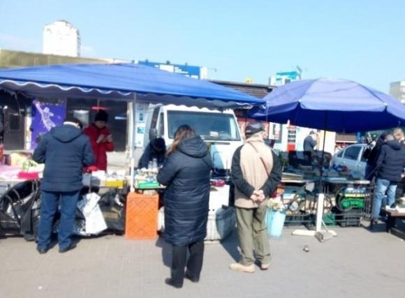 Страдают миллионы людей: мэр Львова призвал возобновить работу продуктовых рынков  фото, иллюстрация