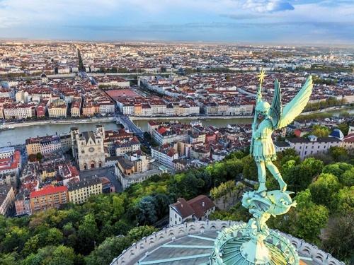 Франція прийняла рішення про підвищення податку на засоби захисту рослин фото, ілюстрація