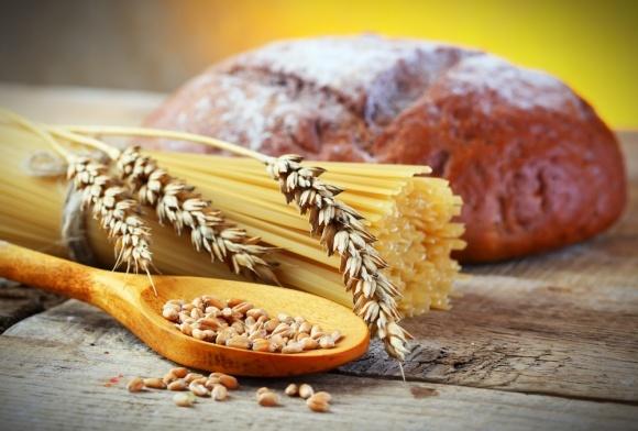 Чому українці скуповують макарони й чорний хліб? фото, ілюстрація