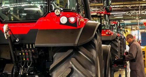 У Франції почалось виробництво тракторів нової марки фото, ілюстрація