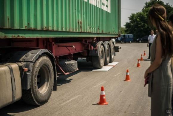 Нарушителям весовых норм на автодорогах начислено 111 млн гривен штрафов фото, иллюстрация