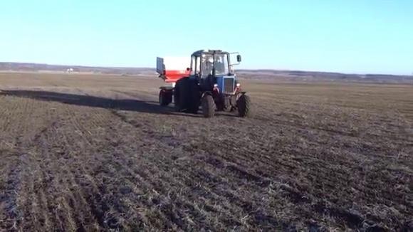 Аграрії Івано-Франківської області розпочали весняно-польові роботи фото, ілюстрація