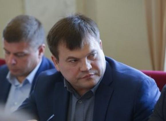 У первого заместителя председателя парламентского комитета по вопросам аграрной и земельной политики Олега Мейдича обнаружили коронавирус фото, иллюстрация