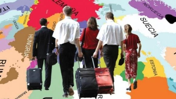 Италия планирует легализовать сотни тысяч иностранных работников фото, иллюстрация