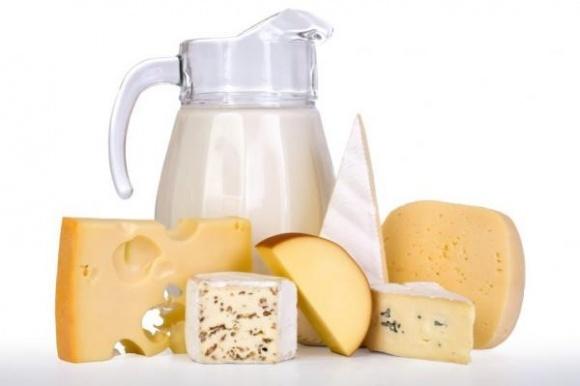 На 40% упала закупочная цена на молоко в США фото, иллюстрация