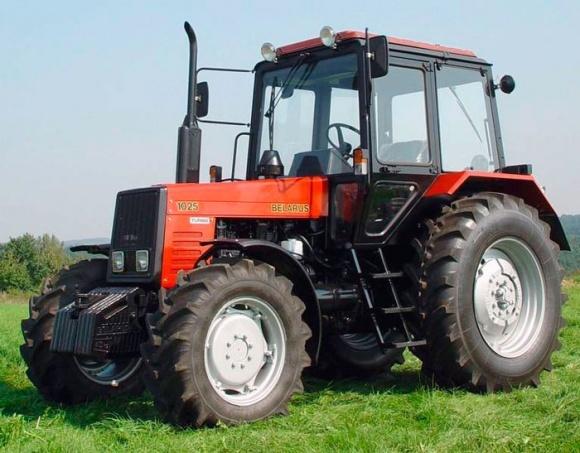 АІС з наступного року розпочне продаж білоруських тракторів фото, ілюстрація