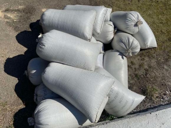Преступники похитили у тетиевского фермера 510 кг семян подсолнечника фото, иллюстрация