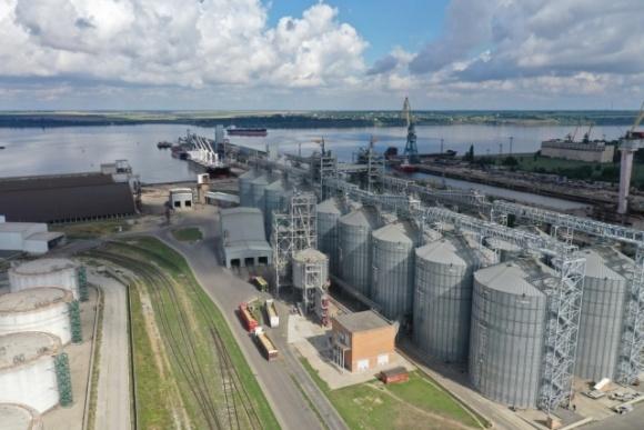 Порт «Ника-Тера» приступил к приему шрота урожая 2021 года фото, иллюстрация