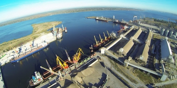 У порту «Ніка-Тера» розпочали перевалку сої нового врожаю  фото, ілюстрація