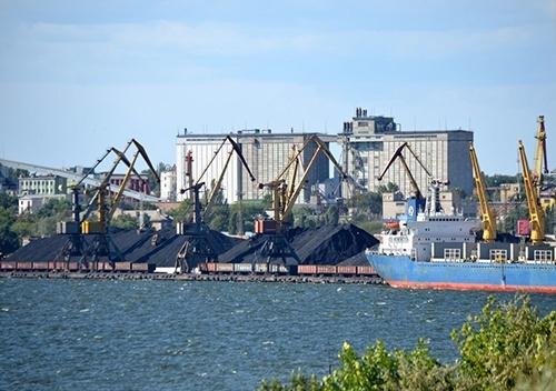 Миколаївський порт віддав близькій до фігурантів НАБУ фірмі 188 мільйонів на днопоглиблення фото, ілюстрація
