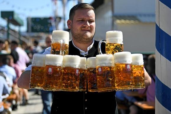 Через пандемію німці стали пити менше пива фото, ілюстрація